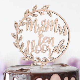 taartprikker met krans voor bruidspaar