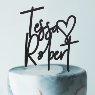 moderne taarttopper met namen bruidskoppel