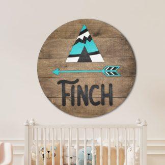 bord met babynaam voor kinderkamer